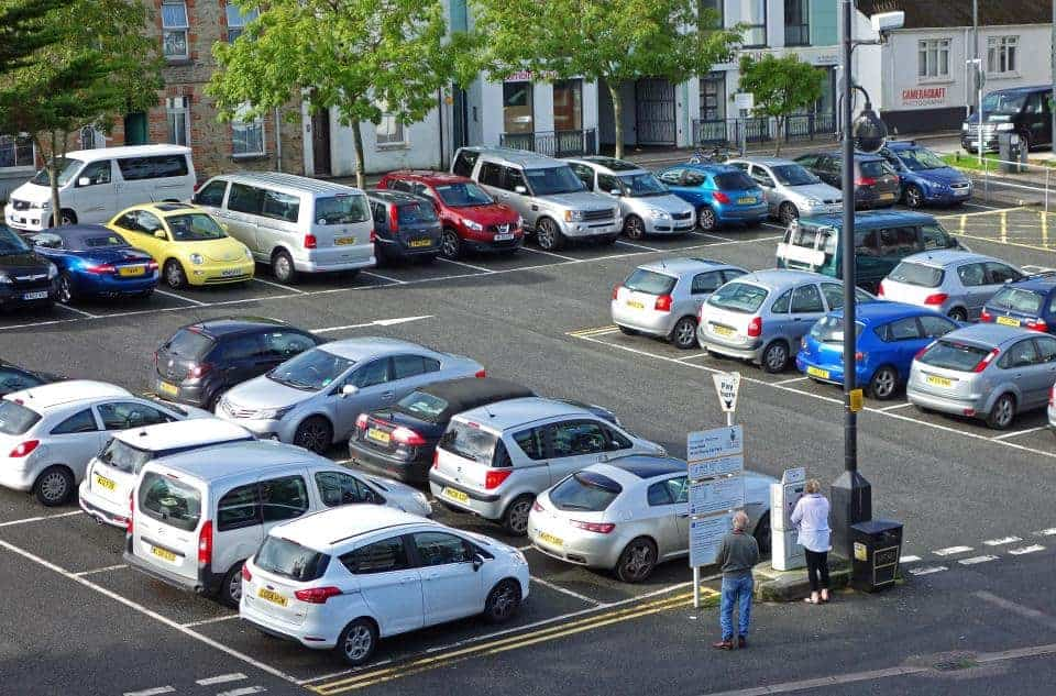 UK Drivers Spend 23 BILLION GBP Per Year Looking For Parking Spaces